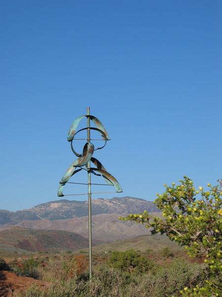Eclipse-Wind-Sculpture-Lyman-Whitaker-blue-sky