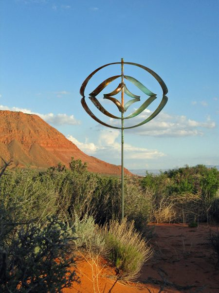 Mirinda-III-Wind-Sculpture-Lyman-Whitaker-red-desert