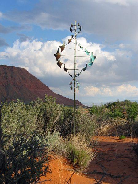 Star-Dancer-Vertical-Wind-Sculpture-by-Lyman-Whitaker-red-desert