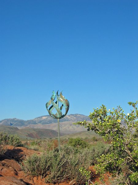 Tulip-Wind-Sculpture-by-Lyman-Whitaker-blue-sky