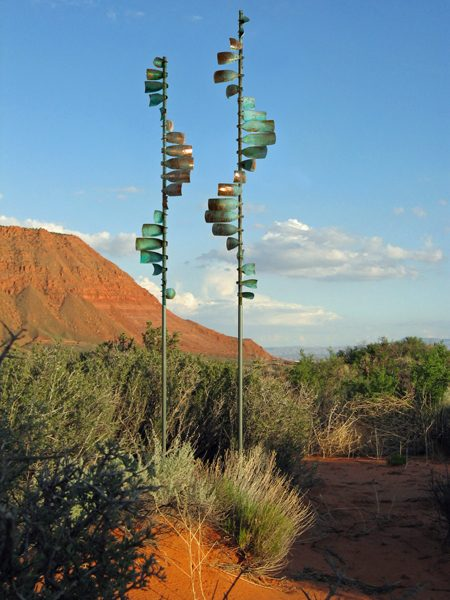 Wave-Grouping-Wind-Sculpture-by-Lyman-Whitaker-red-desert