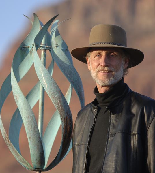 Lyman-Whitaker-Wind-Sculptures-Desert-Flame