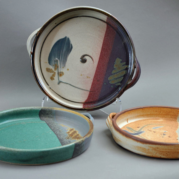 jeff-kuhns-pottery-at-worthington-gallery